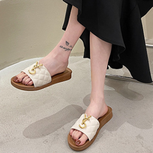 Patchwork Fashion Patched Flat Wear Slippers - White