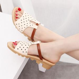 Hollow Fancy Wear Women Fashion Casual Slippers - Beige