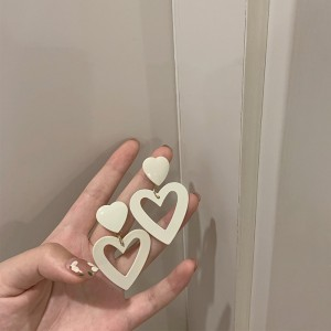 Hollow Hearts High Quality Earrings - Beige