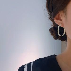 Women Fashion Simple Round Earrings - White