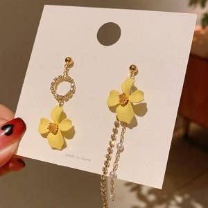Long Tassel Asymmetrical Flower Earrings - Golden