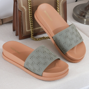 Alphabetic Engrave Thick Sole Casual Slippers - Green
