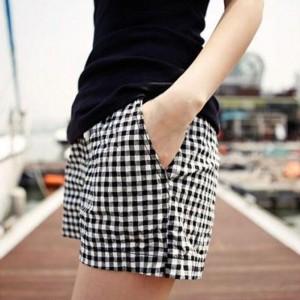 Checkered Printed Elastic Waist Bottom Shorts - Black