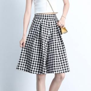 Checkered Printed A-Line Bottom Skirt - Black and White