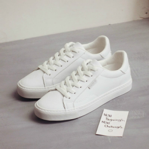 Lace Closure Flat Wear Synthetic Leather Sneakers - White