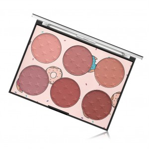 Six Color Plastic Face Blush Pallet - Light Shades