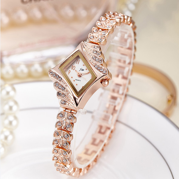Ladies Diamond Dial Rhinestone Chain Quartz Watch - Golden