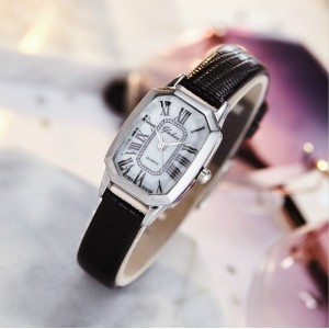 women Roman Counting Electronic Quartz Watch - Black