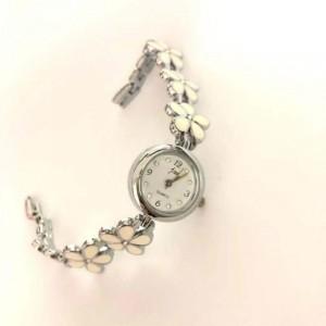 Fashion Pentagram Steel Strap Ladies Watch - Silver