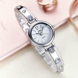 Women Steel Band Fashion Waterproof Watch - Silver