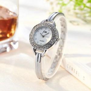 Women Steel Band Electronic Quartz Watch - Silver