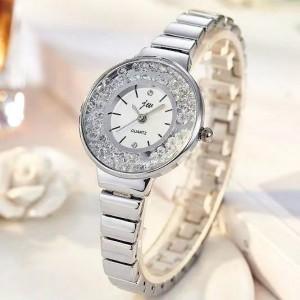 Quicksand Rhinestone Dial Women's Watch - Silver
