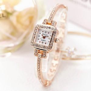 Women's Luxury Diamond Watch - Golden