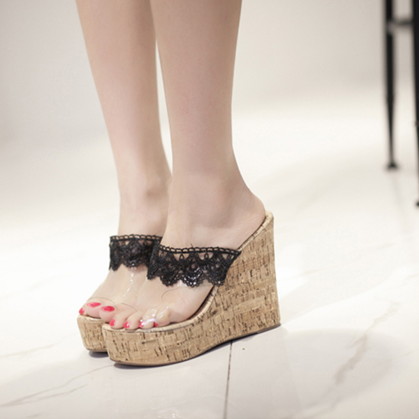 Black Lace Decorated High Heel Sandals