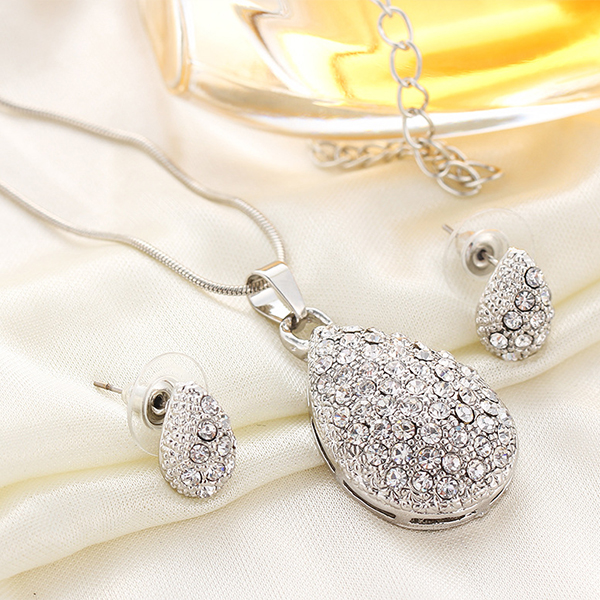 Water Crop Crystal Decorated Jewellery Set