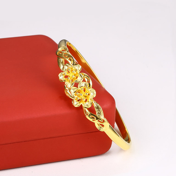 Elegant Floral Gold Plated Ring