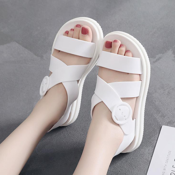 Flat Strap Buckle Closure Summer Sandals - White