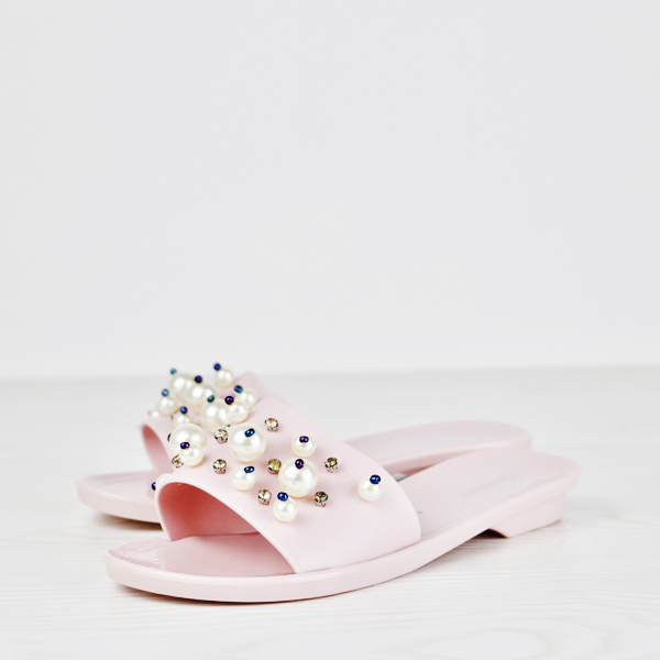 Pearl Decorated Trendy Party Wear Flat Sandals