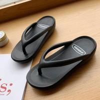 Round Shaped Summer Wear Plastic Flip Flops - Black