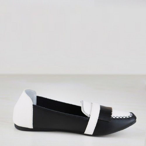 Buckle Style Dorbe Branded Contrast Flat Shoes - Black