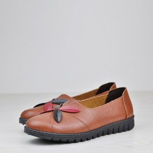 Leaves Patch Leather Texture Flat Shoes - Brown