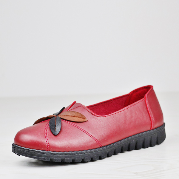 Leaves Patch Leather Texture Flat Shoes - Burgundy