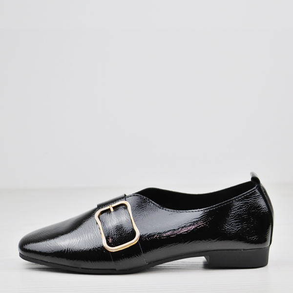 Buckle Pointed Glimmer Solid Color Shoes - Black