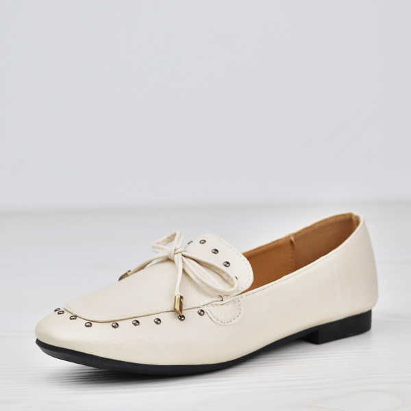 Rivets Patch Bow Pattern Flat Shoes - White