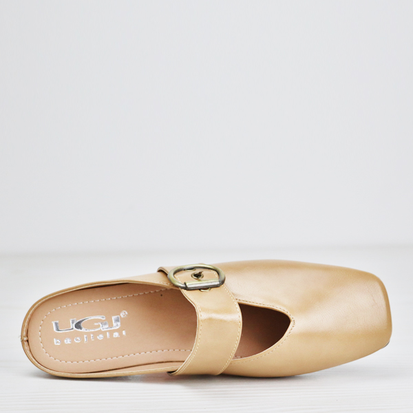 Buckle Belt Soft Wear Flat Sandals - Apricot