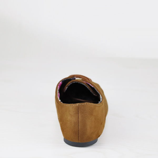Star Hollow Dorbe Branded Suede Flat Shoes - Brown