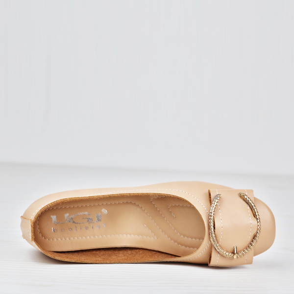 Solid Color Patched Flat Wear Shoes - Apricot