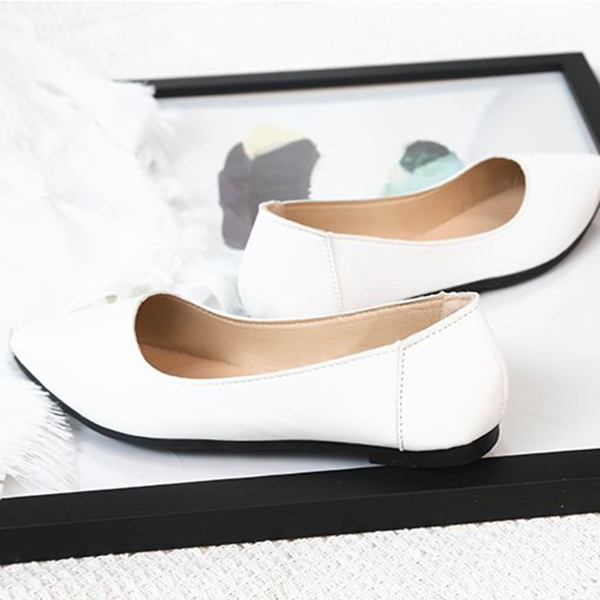 Shallow Mouth Flat Sole Formal Shiny Shoes - White