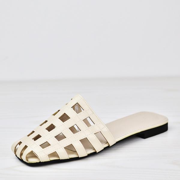 Square Hollow Flat Wear Designers Sandal