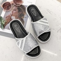 Sequins Art Flat Female Wear Summer Slippers - Silver