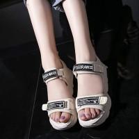 Velcro Closure Non-slip Thick Bottom Women Sandals - Beige