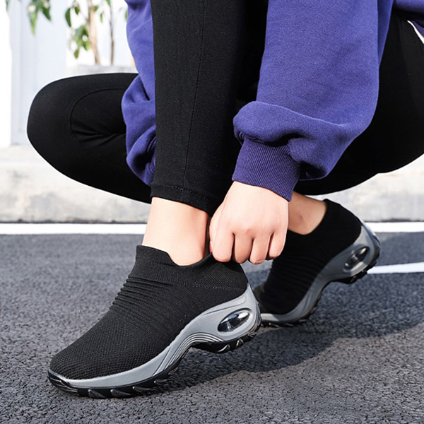 Thick Bottom Canvas Sports Wear Shoes - Black