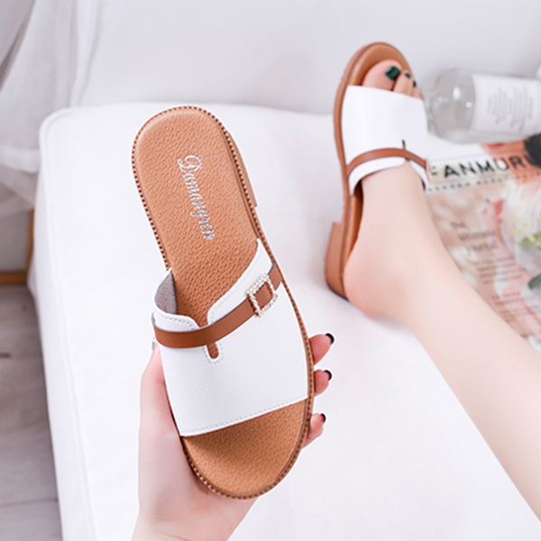 Crystal PU Leather Flat Wear Summer Sandals - White