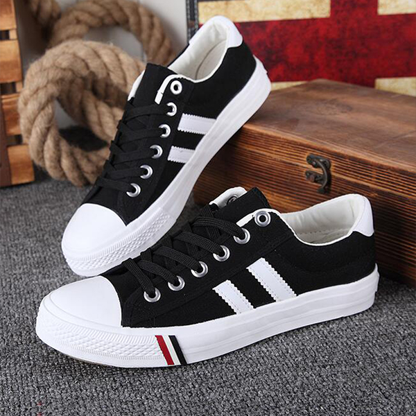 Trendy Latest Fashion Men Canvas Sneakers Black
