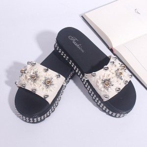 Pearl Floral Thick Soft Rubber Sole Female Sandals - White