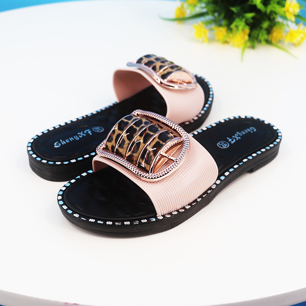 Buckle Casual Flat Rubber Sole Summer Wear Sandals - Pink