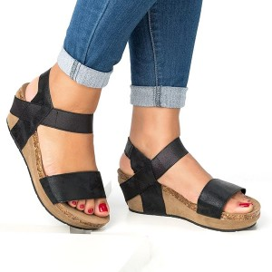 Thick Bottom Strapped Casual Sandals - Black