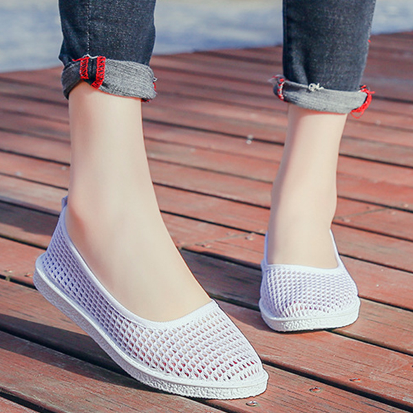 Shallow Mouth Solid Color Net Flat Shoes - Grey