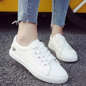 Cut Out Heart Flat Daily Wear Sneakers - Silver