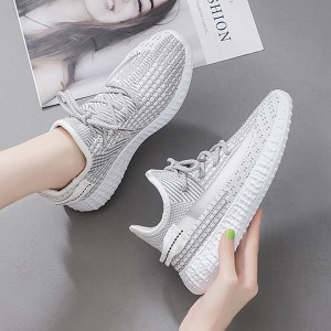 Breathable Flying Woven Straps Flat Women Sneakers - Gray