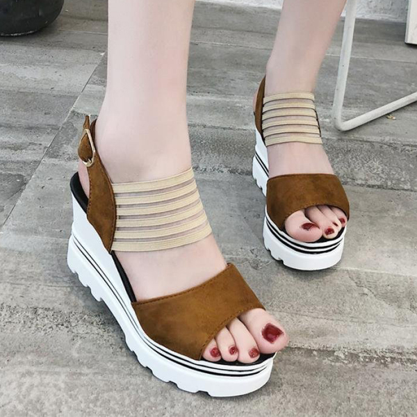 Strapped Buckle Thick Bottom Sandals - Brown
