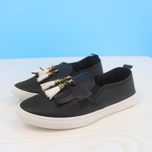 Tassel Synthetic Leather Flat Wear Fashion Shoes - Black