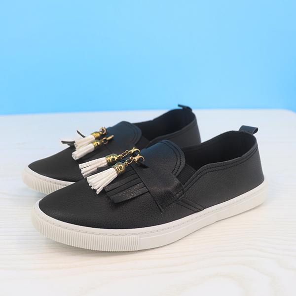 Tassel Synthetic Leather Flat Wear Fashion Shoes - Black