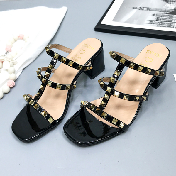 Rivets Decorated Strap Party Wear Sandals - Black