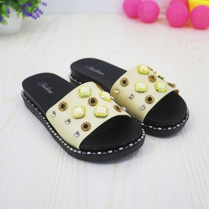 Rhinestone Decorations Flat Wear Casual Sandals - White