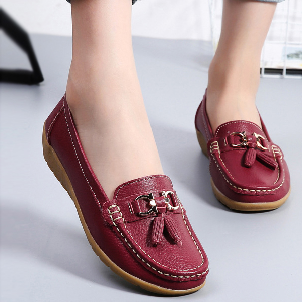Tassel Hanging Hard Stitch Casual Shoes - Burgundy